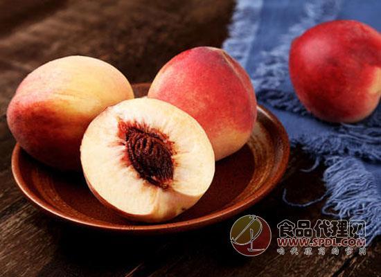 桃子要削皮吃吗