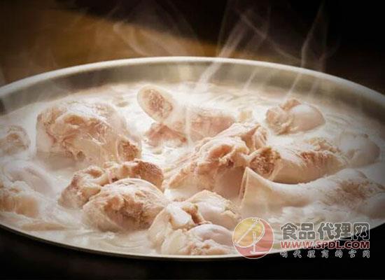 榆园酸菜炖大骨自热米饭