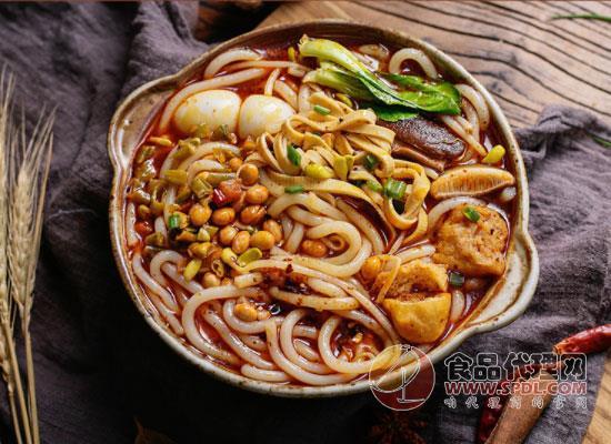 面廚娘砂鍋米線圖片