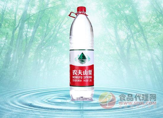 """农夫山泉钟睒睒:""""独狼""""性格创造春秋水业图片"""