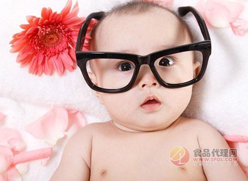 可爱小孩吃东西戴眼镜头像