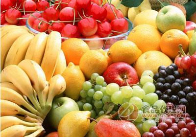 水果连锁超市到处都可以看到,特别是在小区和高校附近,大大小小的水果