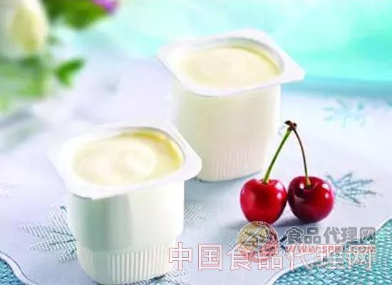 在这样的背景下,杭州麦那特供应链有限公司的可可那特老酸奶强势推出,来自新西兰奶源的可可那特,适合市场各个消费人群的饮用,因为好喝、品质好、包装清新,一经上市就受到广大消费者的喜爱,因为利润高,受到经销商的追捧。
