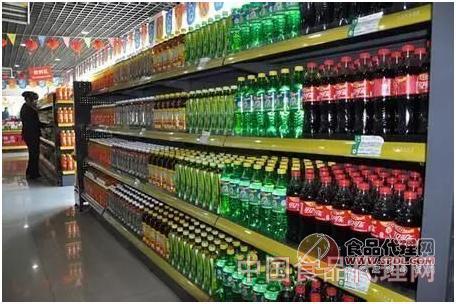 饮料产品陈列-饮料的摆放形式原来也会影响销售成果