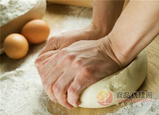一块简单的面包是怎样做成的?