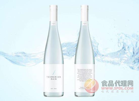 """高端矿泉水""""贵而美"""",吸引消费者购买的是包装还是质量"""