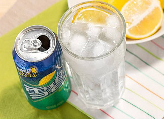 """想要远离""""不健康""""饮料,先了解碳酸饮料有哪些?"""