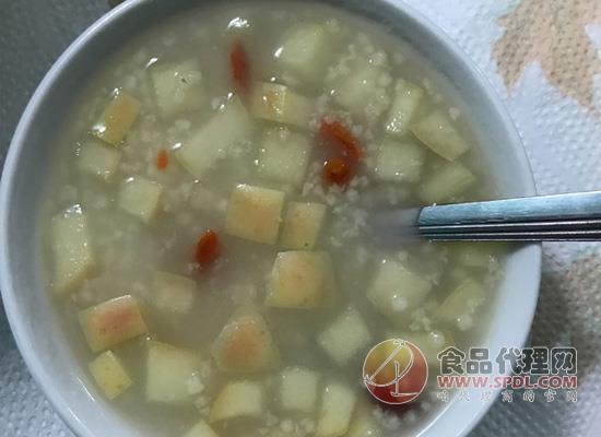 想要健脾养胃又安神?养生粥之小米苹果粥的做法了解一下!