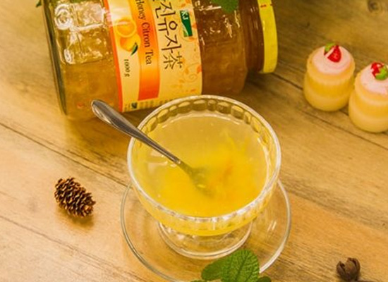 蜂蜜柚子茶的做法很简单,非常容易就学会!
