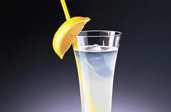 冰镇柠檬水