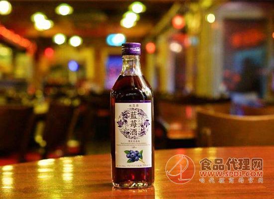 不知道蓝莓怎么吃?蓝莓酿酒是种不错的选择