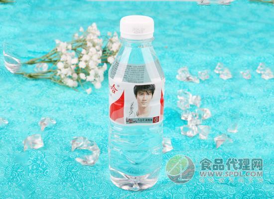 娃哈哈纯净水品牌提醒您:纯净水非矿泉水,健康选择需注意!