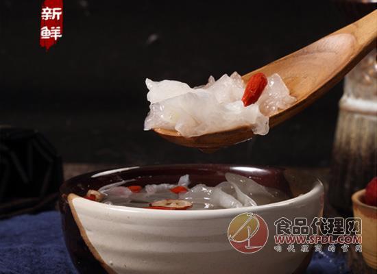 采用FD冻干工艺,三只松鼠冻干红枣枸杞银耳羹价格多少?