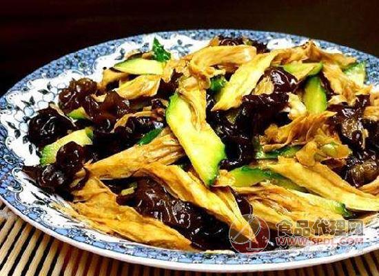 腐竹怎么做才好吃?一道腐竹木耳黄瓜炒诱惑你的味蕾!