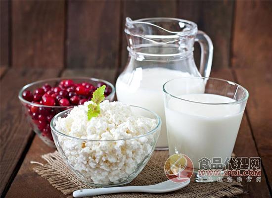 长期喝有机牛奶的好处有哪些?健康乳饮品安全性更高!