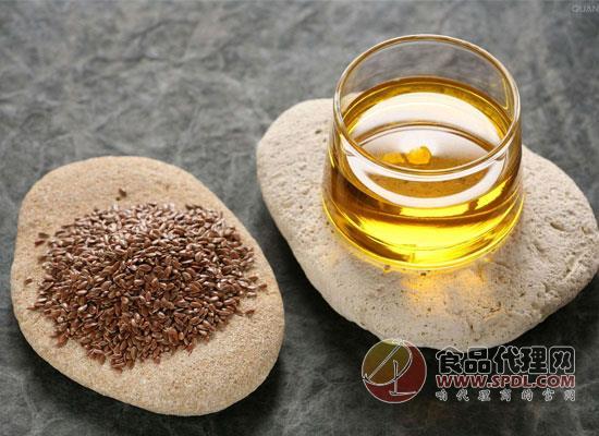 亚麻籽油的功效有哪些?为了家人健康,必须得买一瓶!