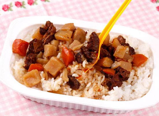 自热米饭的危害竟然这么多!看完你还敢吃自热米饭吗?