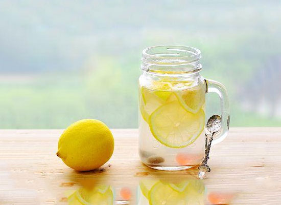 蜂蜜柠檬茶的做法详解,坚持饮用瘦身效果明显