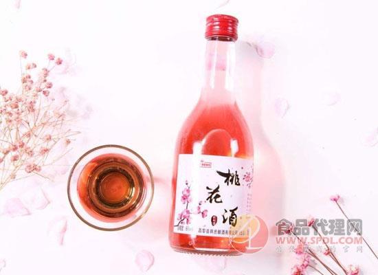 桃花酒用优雅打破常规,化身广大女性知心好友!