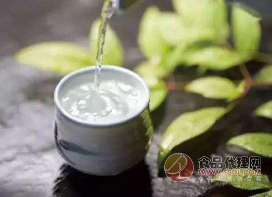 喝白酒上头可能是中毒了,春节期间饮食安全要注意!
