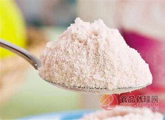 """脱脂奶粉销量节节攀升,它真的比全脂奶粉""""优秀""""吗?"""