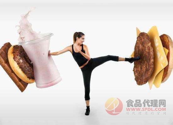 女生节食减肥致胃穿孔,选对减肥方式很关键!