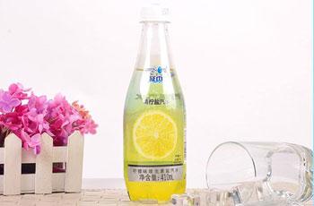 柠檬味盐汽水