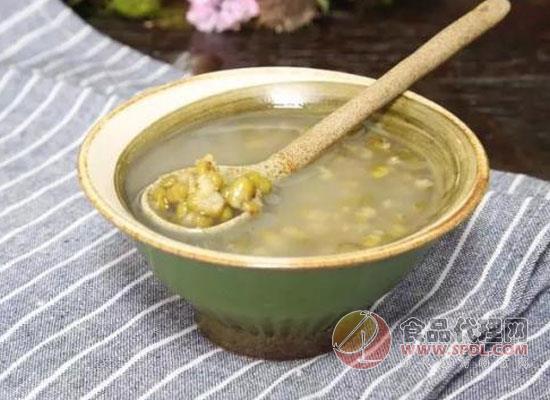 还在为绿豆汤怎么做而发愁?来看看大厨是怎么做的