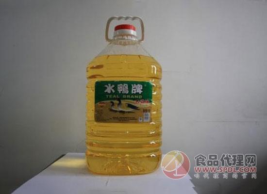 贮存多久的食用油不适宜食用?它对人体有何:?