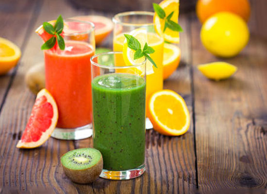 鲜榨果实输入静脉事件引人深思,我们如何正确食用果汁?
