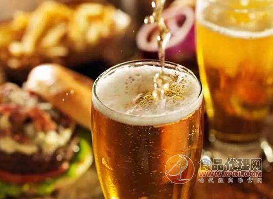 喜欢喝酒撸串的人很多,提醒大家别让假啤酒钻了空!