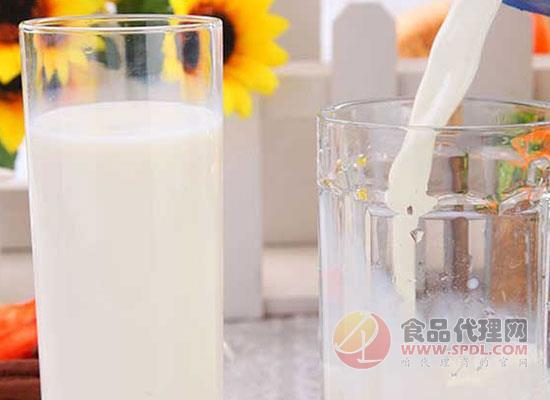 全脂牛奶和脫脂牛奶的區別是什么?減肥人士千萬不要再選錯了
