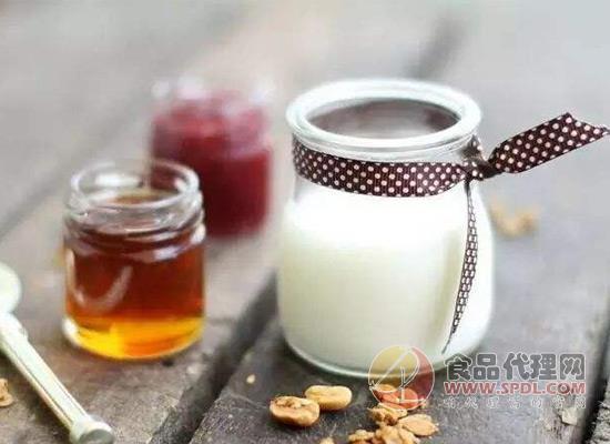 高品质酸奶怎么挑选?看清配料表很重要!