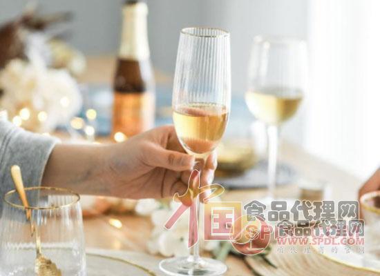 葡萄酒杯的材质有哪些