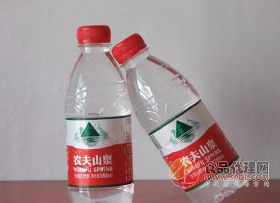 """农夫山泉为什么要和可乐""""过不去""""呢?碳酸市场是关键"""
