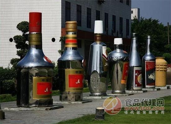 五糧液、瀘州老窖等開啟漲價潮,售價超千元