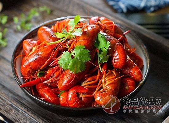 小龙虾价格再降一半,吃虾群众已经准备好了