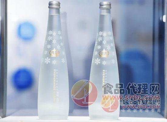 恒大冰泉第三座水厂建成,高端玻璃瓶水正式量产