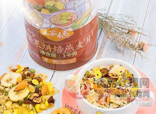 混合堅果烘焙燕麥片圖片