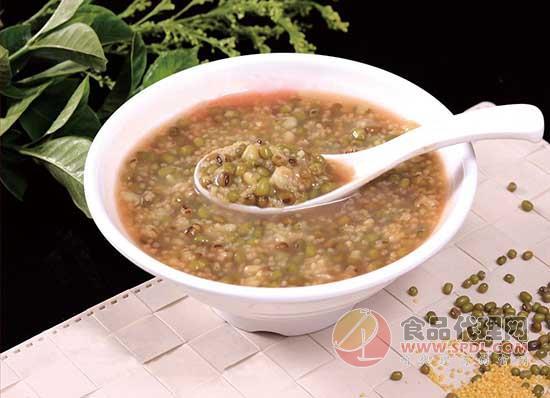 在炎热夏季应该吃什么食物,美味营养健康