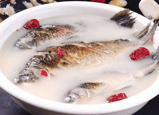 鯽魚湯怎么做好吃,鯽魚湯放香菜的作用