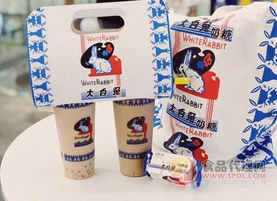 排队5小时,甚至炒出天价500元的大白兔奶茶为何卖断货?