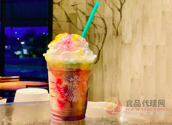 星巴克推出彩虹扎染星冰乐,仍走彩色渐变风格