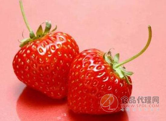 100克草莓的热量是多少,吃太多的草莓会发胖吗