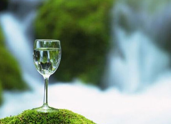 晚上几点以后不要喝水,健康饮水时间与你分享