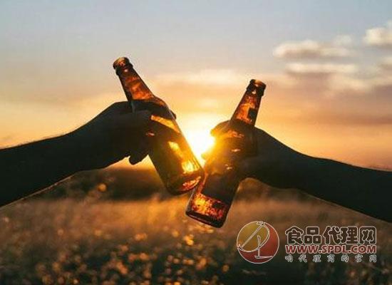 借助健康意识的东风,波士顿啤酒推出野生茶叶精制酒精茶饮