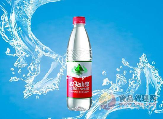 农夫、怡宝等六大品牌分羹瓶装水市场,玩出哪些新花样呢