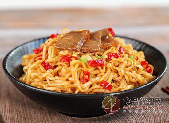 海福盛香辣牛肉拌面好吃嗎,噴香可口挑戰味蕾