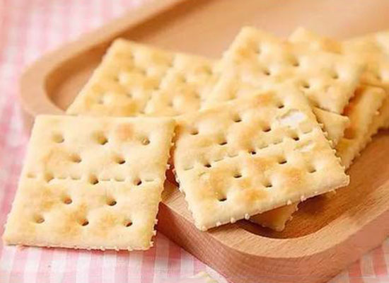 减肥期间能吃苏打饼干吗,别拿苏打饼干当早餐吃
