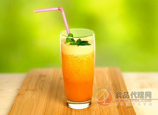 宝宝喝果汁好还是吃水果好,长时间喝果汁对身体有危害吗